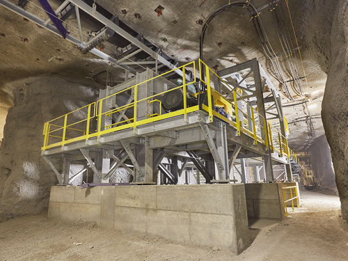 UNDERGROUND TO SURFACE CONVEYOR SYSTEM